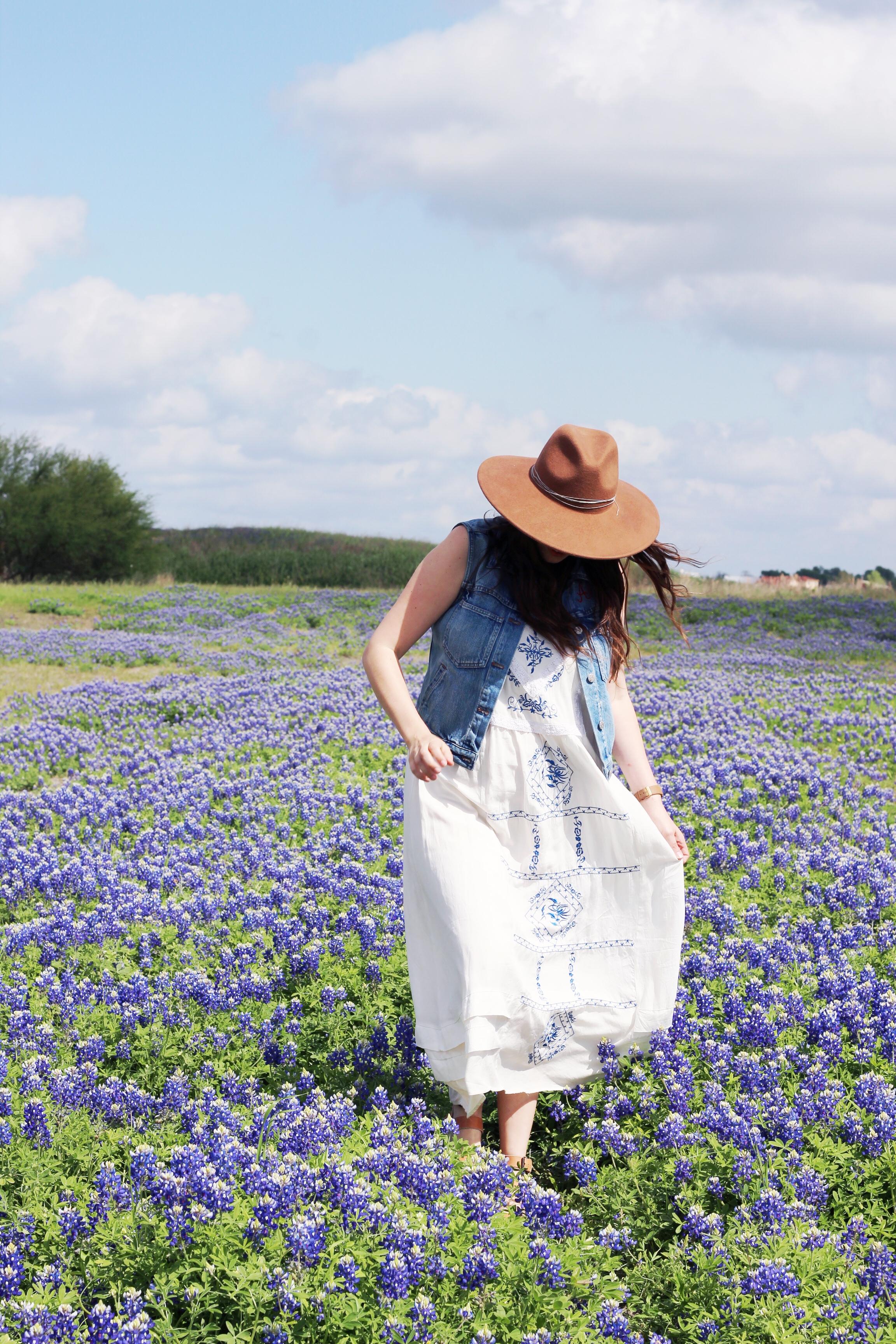 Where to take blue bonnet pictures outside of Houston, Texas.