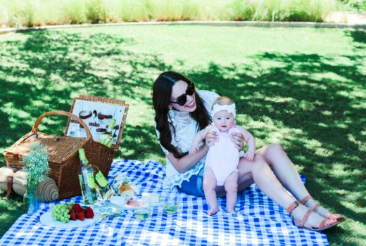 Mother daughter picnic in Anthropologie and Peggy Green.